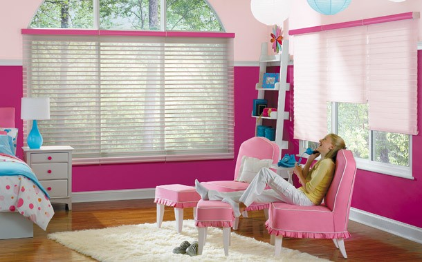 Pink girls room blinds